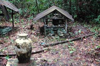 VIAJES FUERA DE RUTA.: TRIBU IVAN. Borneo Malayo.